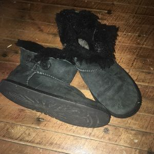 Uggs short fur lined booties size 3/34